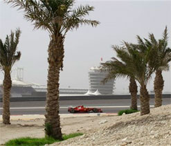 Thousands stage Bahrain protest ahead of F1