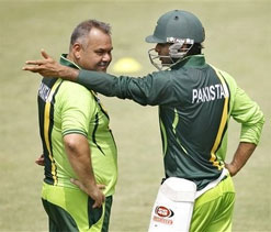 Pak chief selector denies reports of rift between Whatmore, selectors