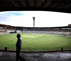 Bangalore corporators demand 450 passes for each IPL match!