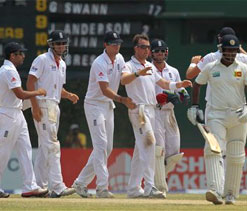England hold on to number-one Test ranking