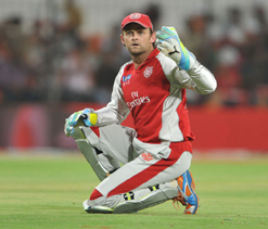 We don`t need to compare Dravid with Warne: Gilchrist