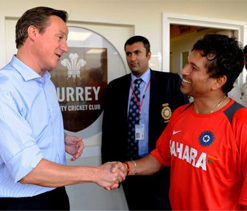 Cameron auctions `most valuable` Sachin`s bat 