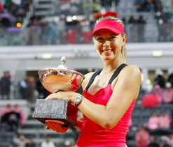 Maria Sharapova defends her Rome title in rain marred final
