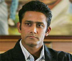 Anil Kumble congratulates Shukla for IPL 2012`s success