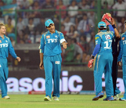 Mini Pune descends at Eden for SRK-Dada grudge match