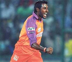 RCB sign Parameswaran to replace Aravind