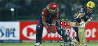 IPL 2012: KKR thrash Delhi by 6 wickets, top table