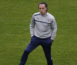 Prandelli will continue as coach for a further two years no matter what, says FIGC president