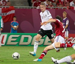 Euro Cup 2012: Unbeaten Germany in quarters after 2-1 win over Denmark