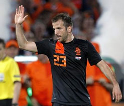 We didn`t deserve to go through: Van der Vaart
