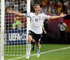 Don`t care where I play as long as Germany are winning: Bender