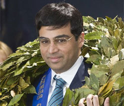 Jubilant fans welcome Anand back home