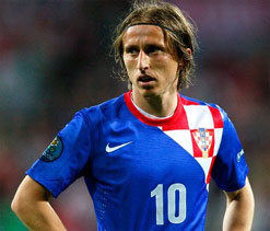 Real Madrid planning £30m bid for Man U target Modric