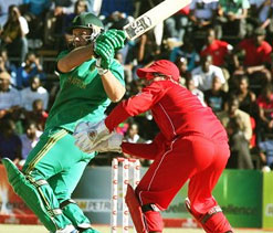 Levi stars in an easy South African win over Zimbabwe