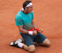 Milos Raonic defeated by Juan Monaco in five sets at French Open