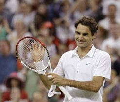 Wimbledon 2012: Roger Federer rallies past Benneteau