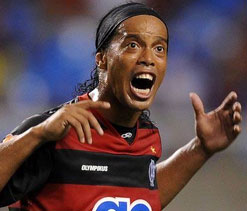 Ronaldinho denies indiscipline charge
