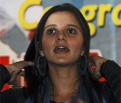 Sania to have mom as manager in Olympics