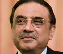 Zardari writes to Singh; hails Indo-Pak cricket ties