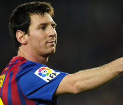 Xavi & Iniesta deserve Ballon d`Or: Messi