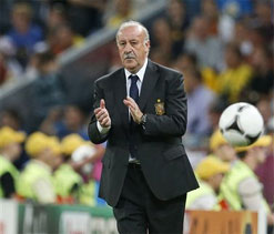 Del Bosque adds European title to World Cup win