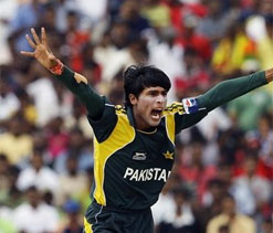 Aamir deserves second chance for return to international arena, says fast bowler Shoaib