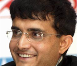 Ganguly`s father at hospital, condition now better