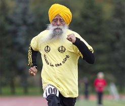 World`s oldest Indian marathon runner to carry Olympic torch for 2nd time