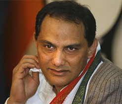 Dhoni should be careful with comments: Azharuddin