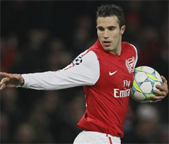 Robin van Persie transfer: Arsenal say no to Man U, Man City, Juventus