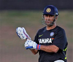 Dhoni and Indian team fined for slow over-rate