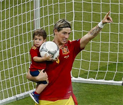 Fernando Torres revels in Euro 2012 crown after `complicated` season