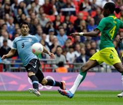 London Olympics Football: Ten-man Senegal stun Uruguay