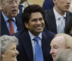 Tendulkar watches Federer-Djokovic match from royal box 