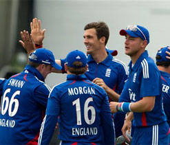 Finn shines as England demolish Australia to take ODI series