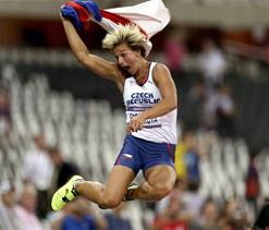 Olympic javelin: Spotakova wins gold, retains title