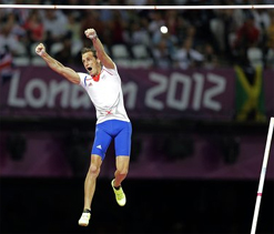 Olympic pole vault: France`s Lavillenie soars to gold