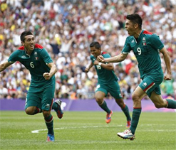 London Olympics 2012 Football Final: Mexico stun Brazil to win gold