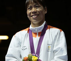 London Olympics: After wrestlers, Mary Kom gets frenzied reception