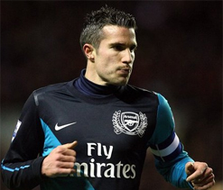 Arsenal fans jeer Robin van Persie as Podolski emerges new hero at Emirates