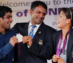 Olympic medallists meet PM and Sonia