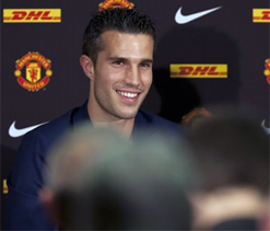 Robin van Persie: The little boy inside me screamed `Manchester United!`