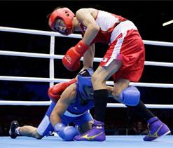 London Olympics 2012: Azerbaijani boxer knocked down five times but wins