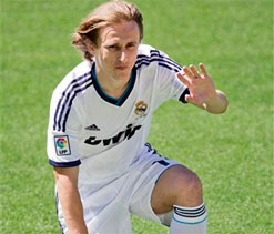 Luka Modric laments delays in completing move to Real Madrid
