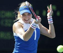 US Open: Vesnina upsets Peng