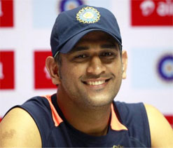 Dhoni warns teammates against taking NZ pacers lightly