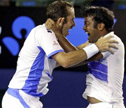 US Open: Paes-Stepanek win, Bhupathi-Bopanna knocked out