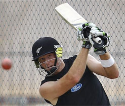 We`ll look to score 450 and take early wickets: Guptill