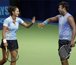 Olympics Tennis: Paes-Sania vs Azarenka-Mirnyi match to resume on Saturday