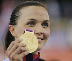 Olympics 2012 cycling: Britain`s Pendleton holds on for keirin gold